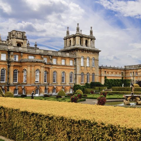 A palace with 300 years of history and 8 miles from Oxford