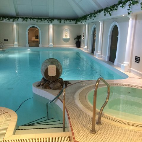 Swimming pool with jacuzzi and spa facilities