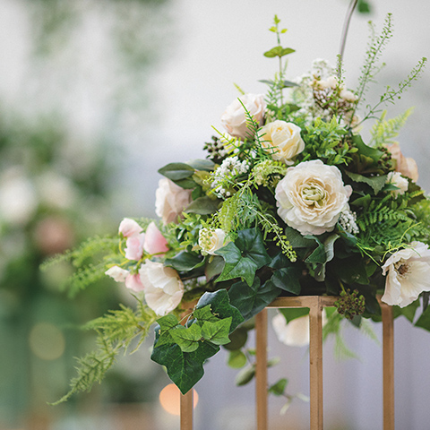 A floral decoration for the table